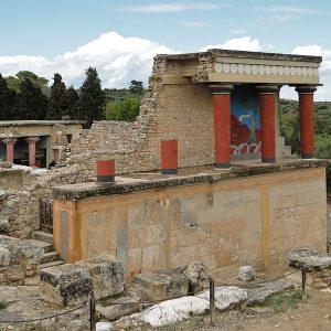 800px-Knossos_-_North_Portico_02